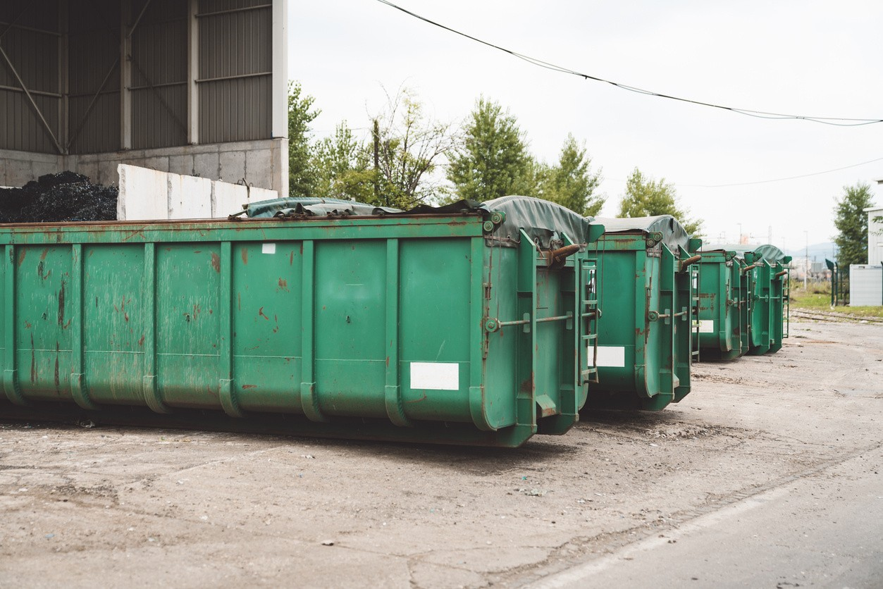 South Park-Temecula Dumpster Rental & Junk Removal Services-We Offer Residential and Commercial Dumpster Removal Services, Portable Toilet Services, Dumpster Rentals, Bulk Trash, Demolition Removal, Junk Hauling, Rubbish Removal, Waste Containers, Debris Removal, 20 & 30 Yard Container Rentals, and much more!